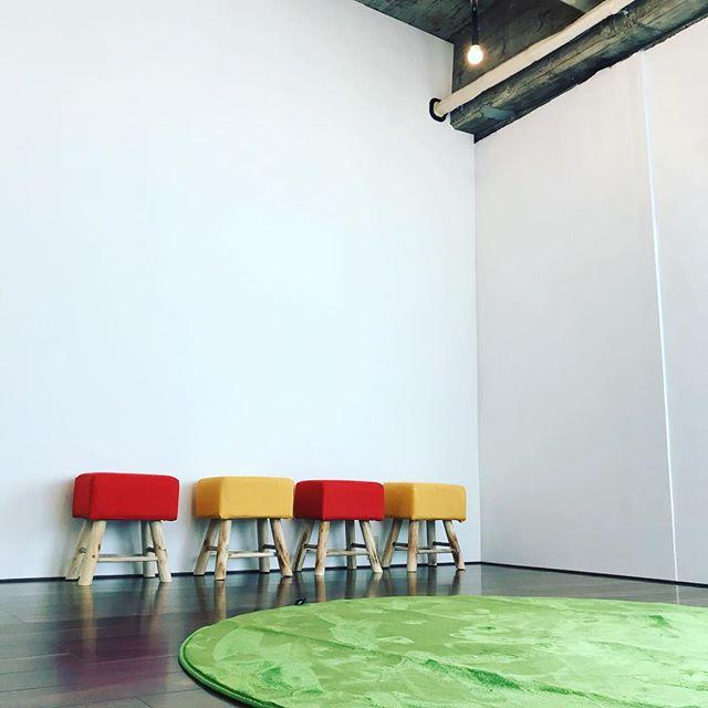 カフェスペースの横にくつを脱いでくつろげるスペースを準備中です。 #ashikaga #カフェ #マチノテ #コミュニティカフェ #足利 #足利市 #栃木県 #子育て
