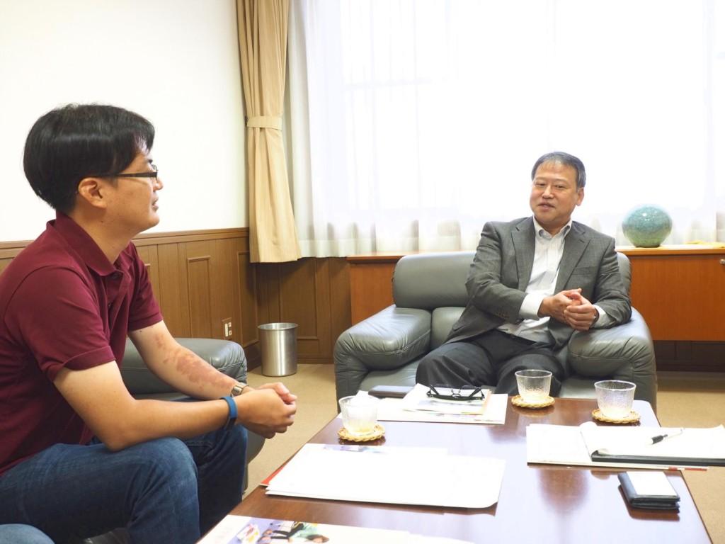 APU事務局長の村上さんと会談